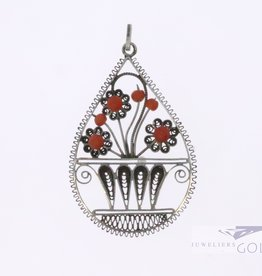 mooie antieke zilveren hanger met bloedkoraal