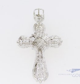 18k white gold cross set with diamonds