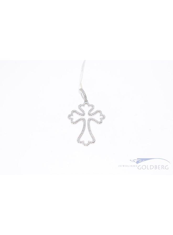 Luxe zilveren kruis met zirkonia