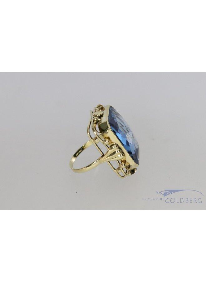 Grote 14k vintage ring met aquamarijnkleurige spinel