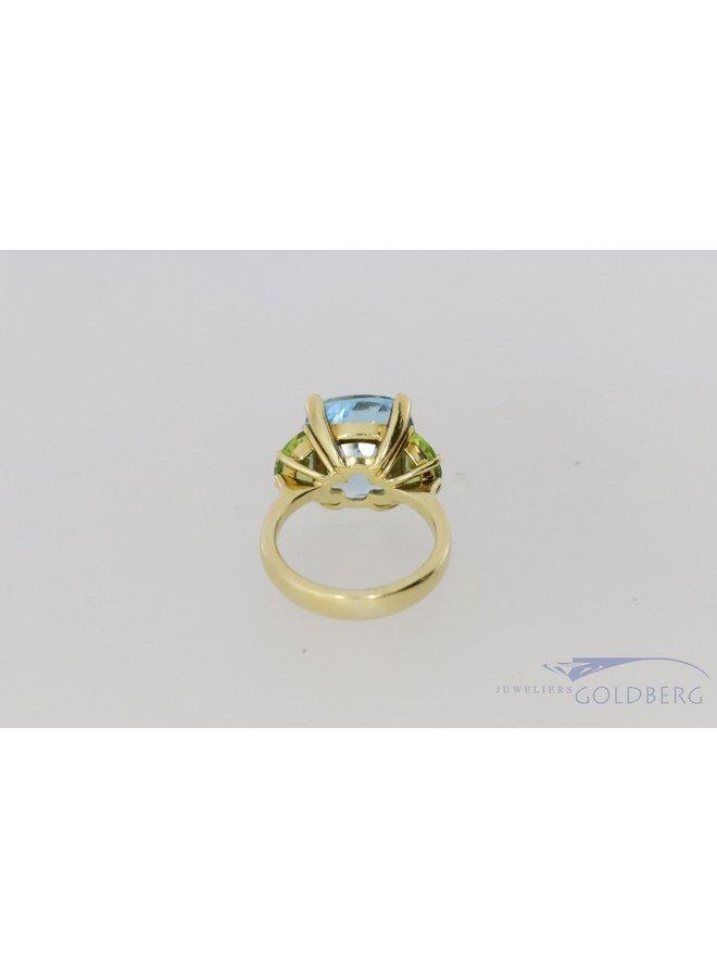 18k ring met aquamarijn kleurige spinel en peridoot