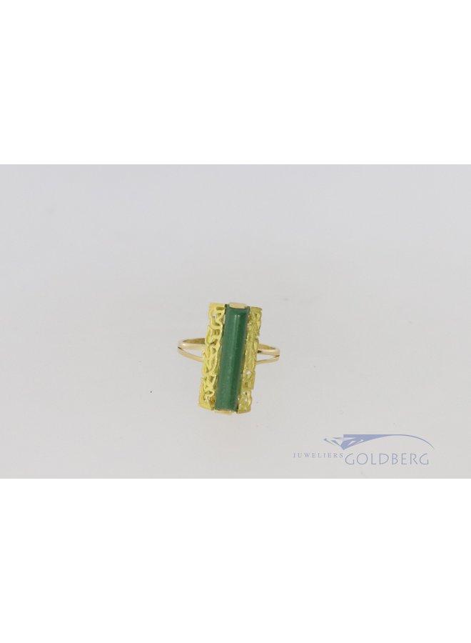 18k vintage ring with jade.