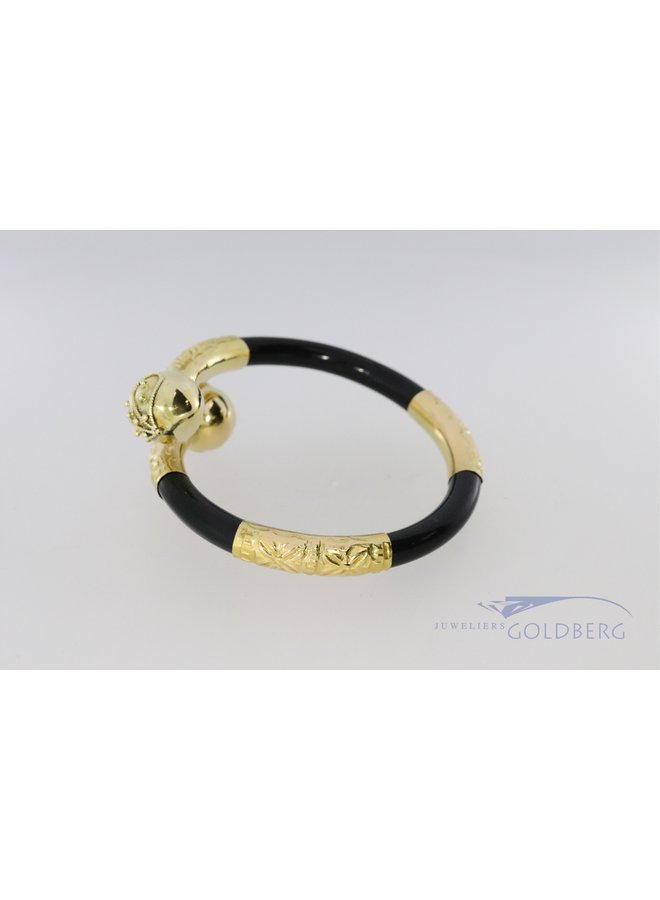14k Surinamese bracelet with synthetisch black material