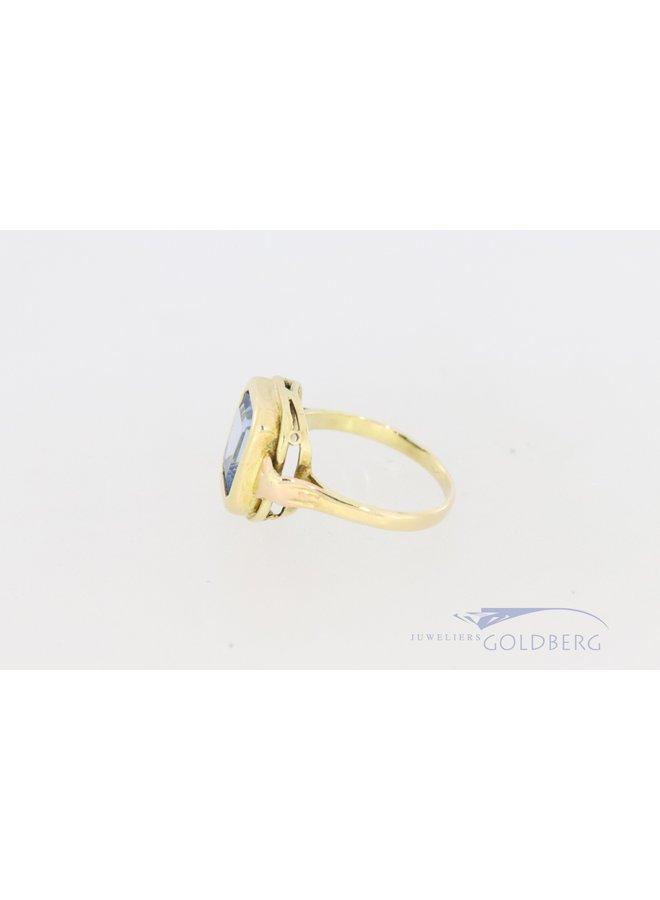 vintage 14k ring met aquamarijnkleurige spinel.