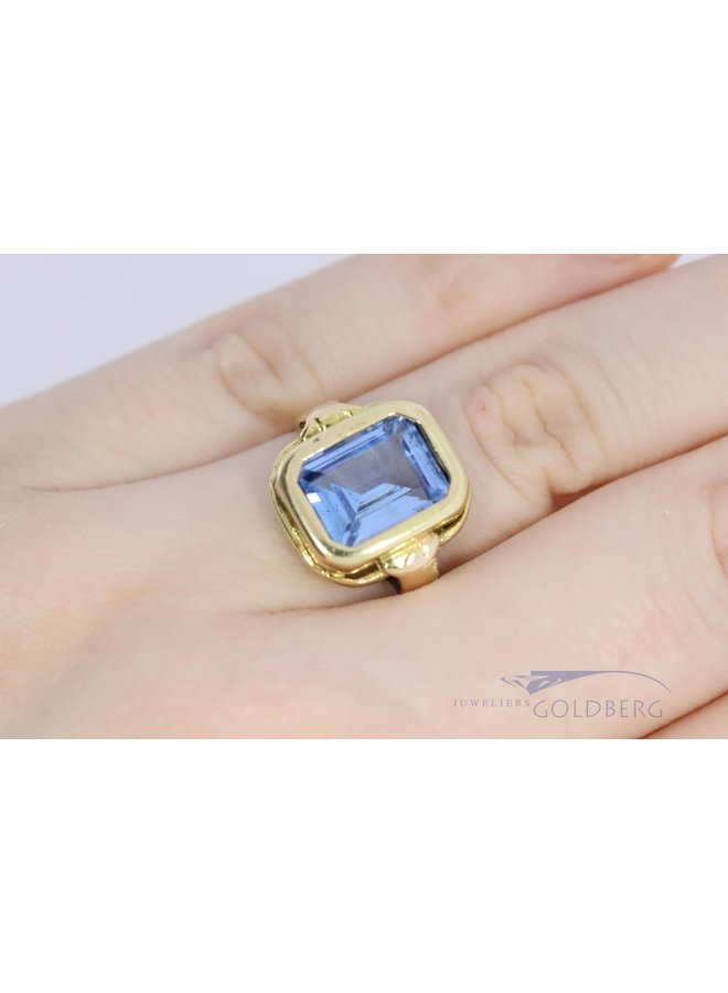 vintage 14k ring with aquamarine colored spinel.