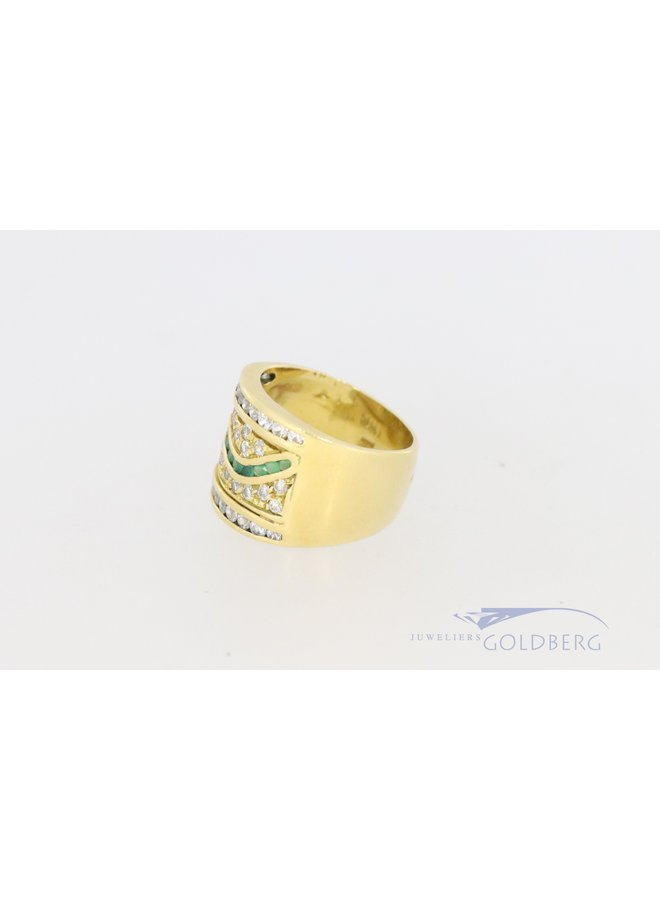 Modern 18k wide ring with zirconia