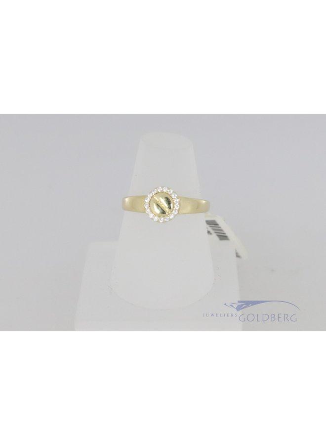 Moderne 14k ring met zirkonia