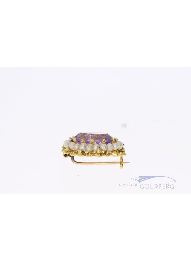 18k brooch with pearl and amethyst