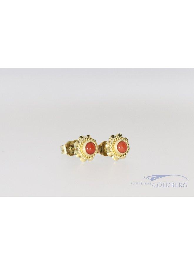 vintage schattige oorbellen met bloedkoraal