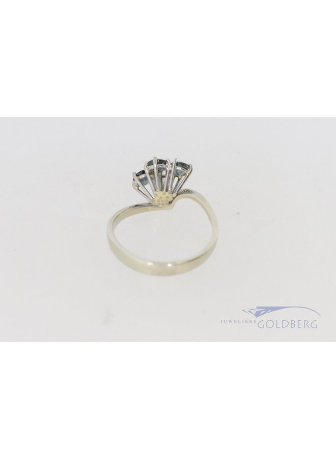 white gold 18k design ring with sapphire and diamond.