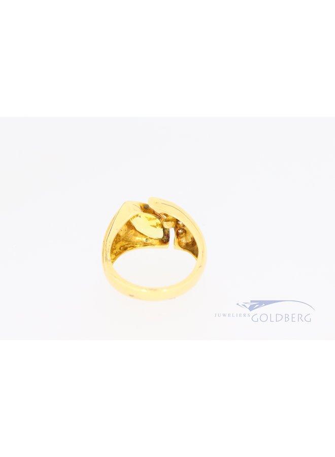 Brede zware 18k gouden ring met markiesvormige citirien en diamant