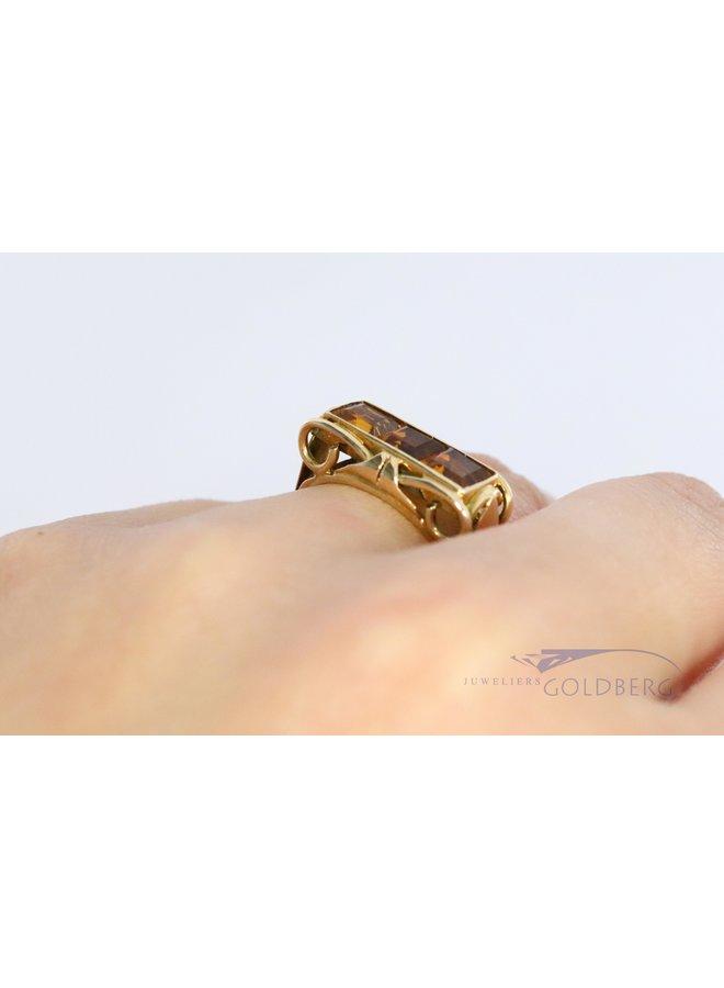 14 carat yellow gold ring with 3x princess cut citrine