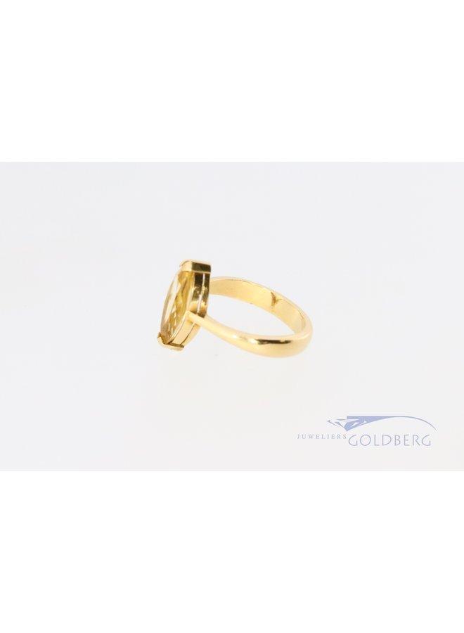 18k geelgouden ring met markies geslepen gele toermalijn