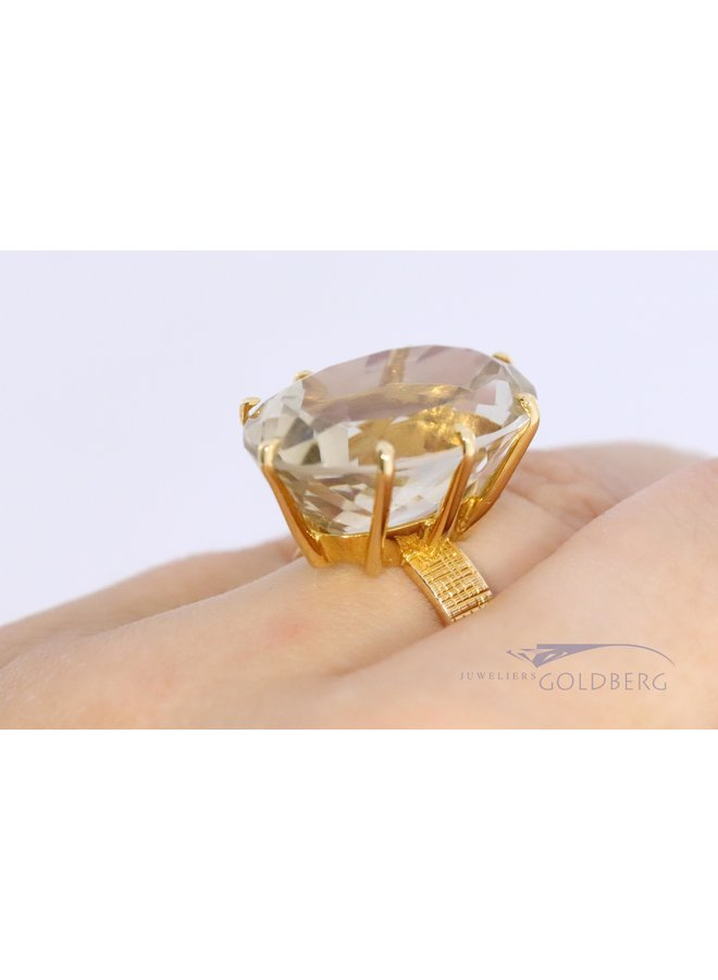 statement 18k ring with citrine