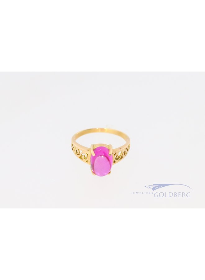18k ring with pink synthetic spinel