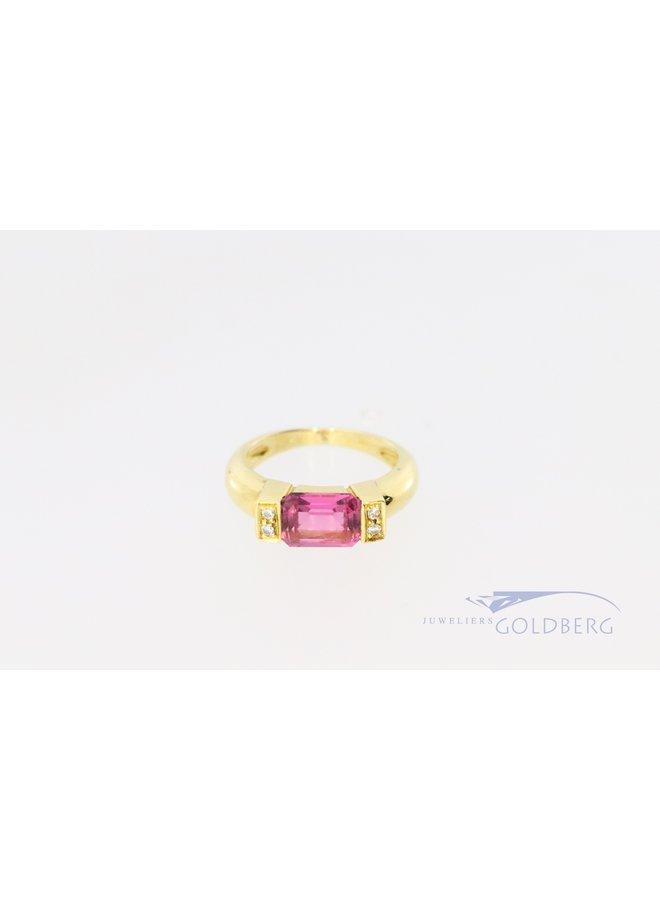 14k moderne vintage ring met briljant en roze kleursteen.