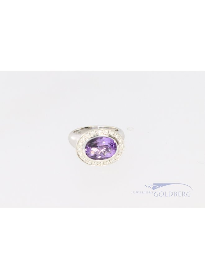 Beautiful white gold pink signet ring with diamond and amethyst.
