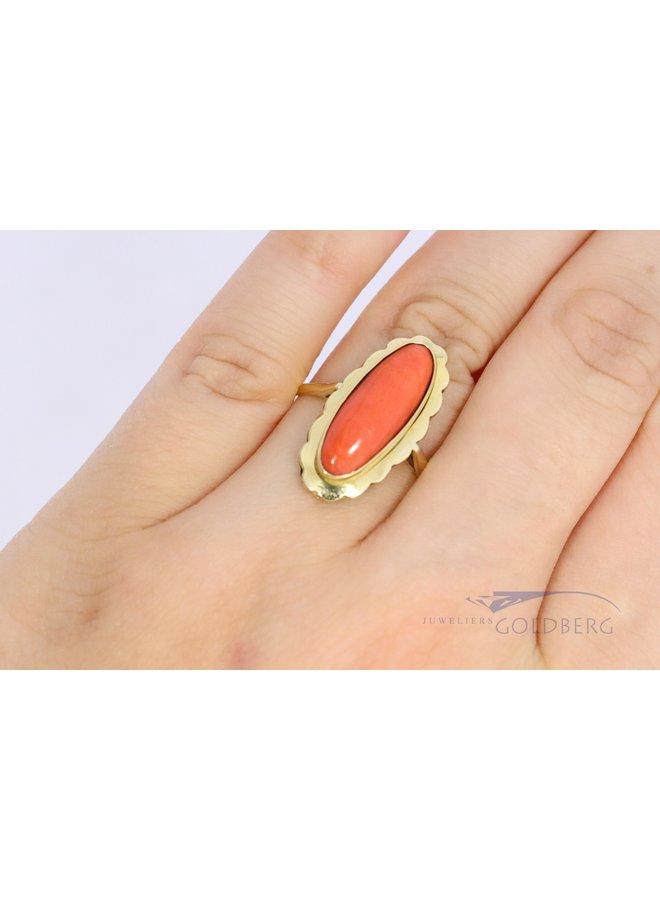 Vintage 14k gouden ring met grote bloedkoraal