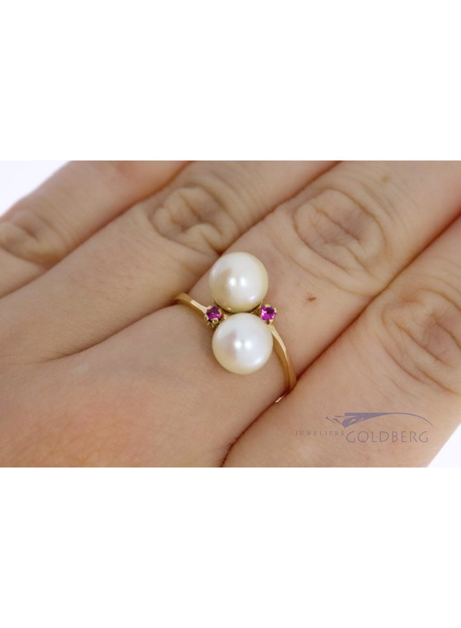 18k vintage ring with ruby ​​and pearl