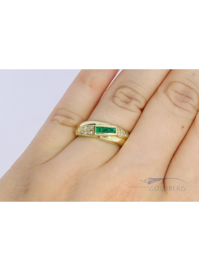 14k gold ring with emerald and diamond