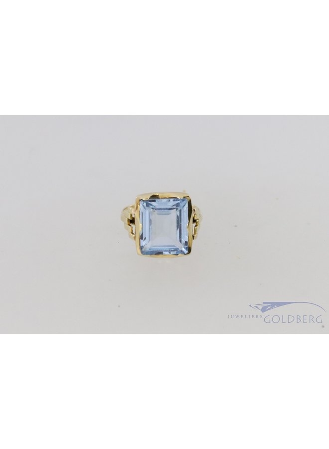 Art Deco style 14k yellow gold ring with aquamarine colored spinel