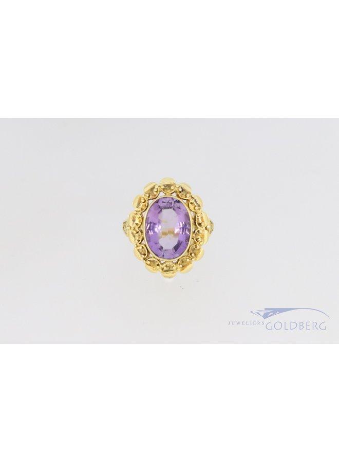 striking 14 carat yellow gold vintage amethyst ring