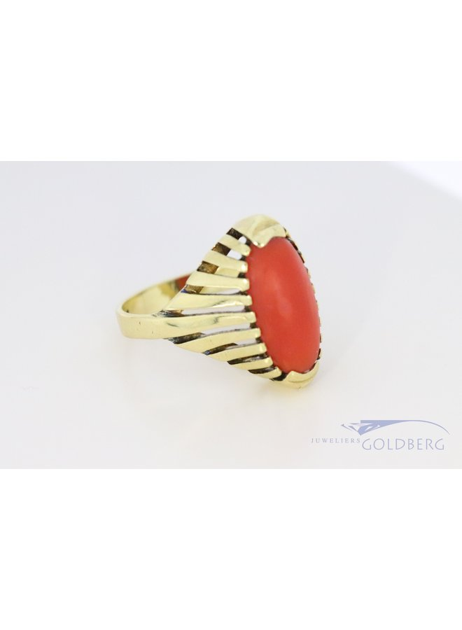 vintage 14k gold ring with red coral 70's style