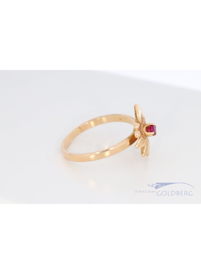 14k vintage flower ring with synthetic ruby.