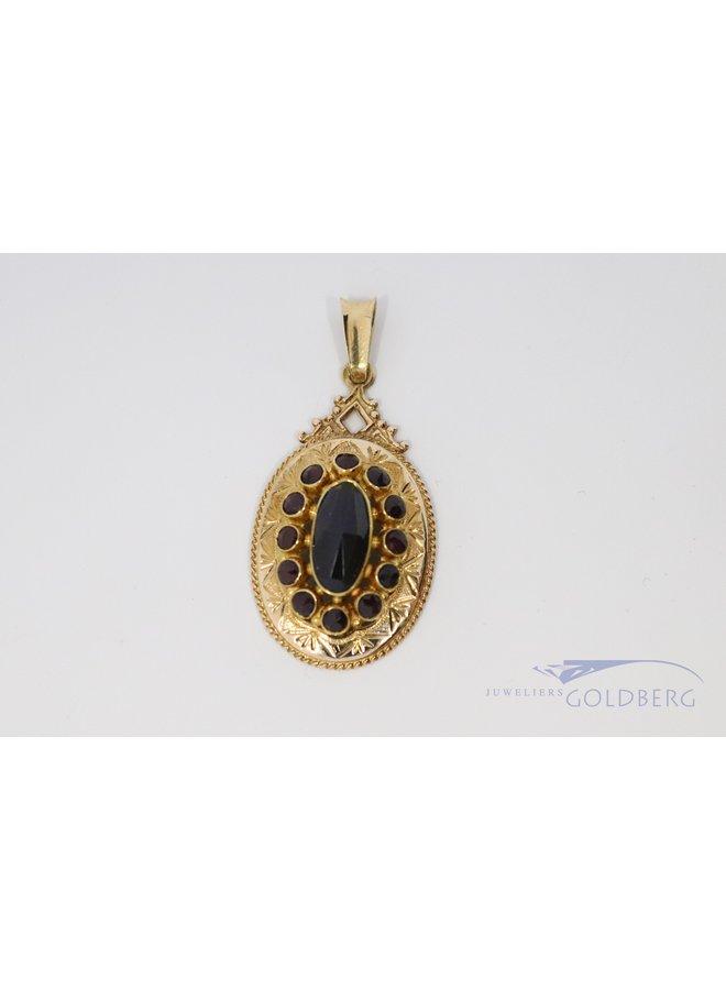 14k vintage garnet pendant