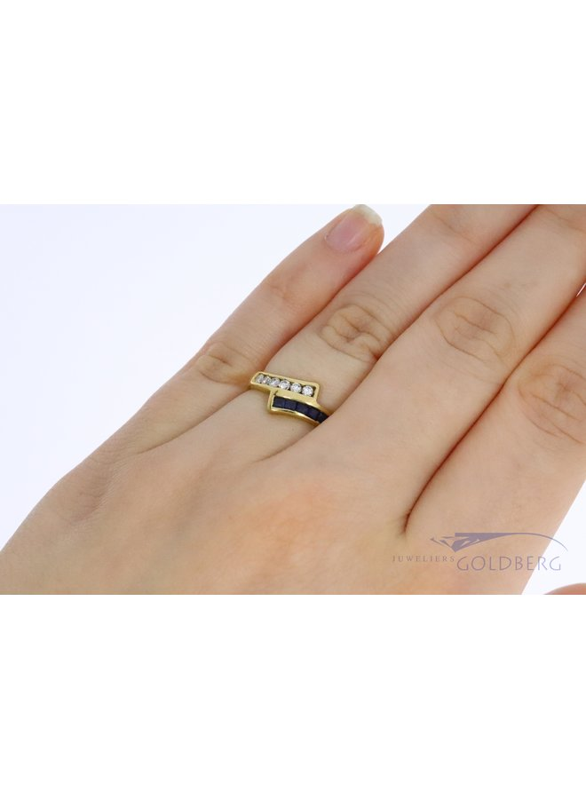 18k gold vintage ring with sapphire and diamond