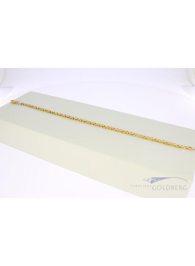 14 kt gold royal link bracelet.