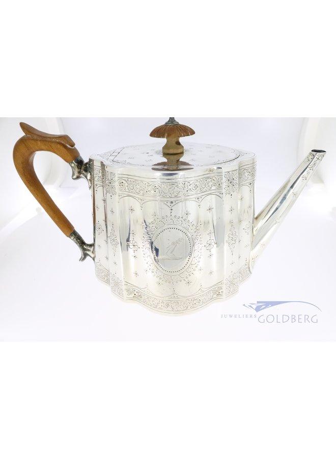zilveren theepot uit 1867