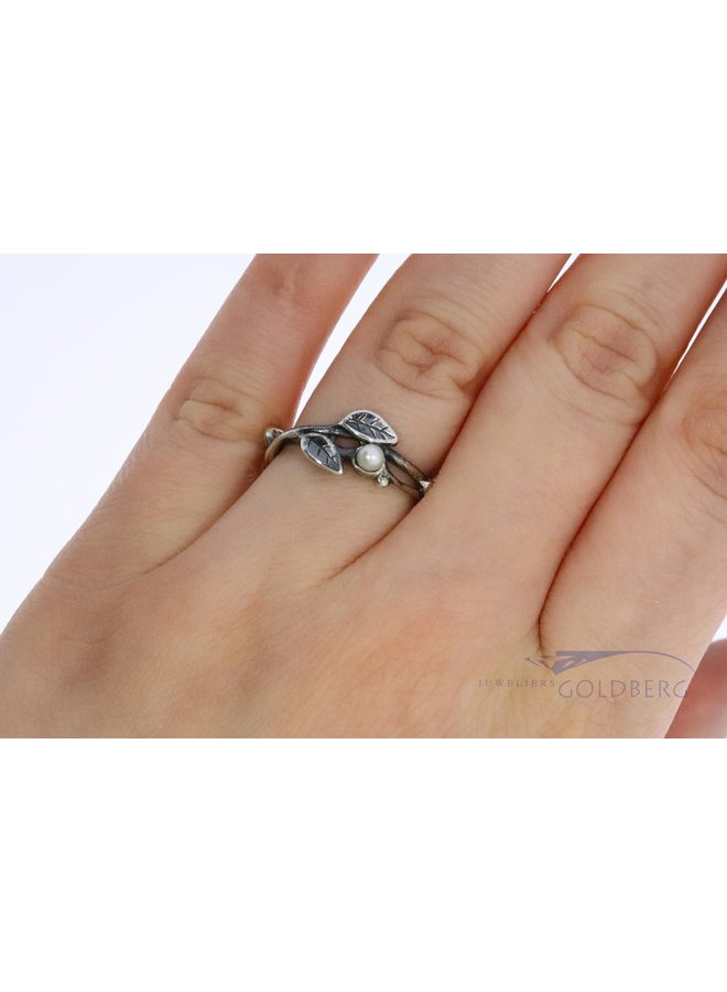 """Trollbeads silver ring """"Pearls and leaves"""""""