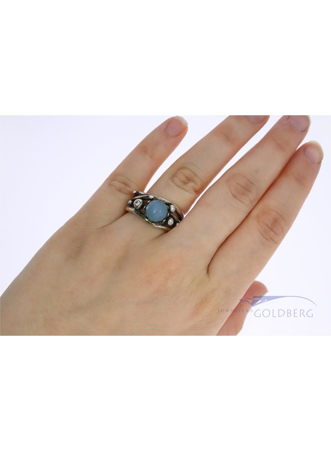 Rabinovich silver fantasy ring with calcedony.