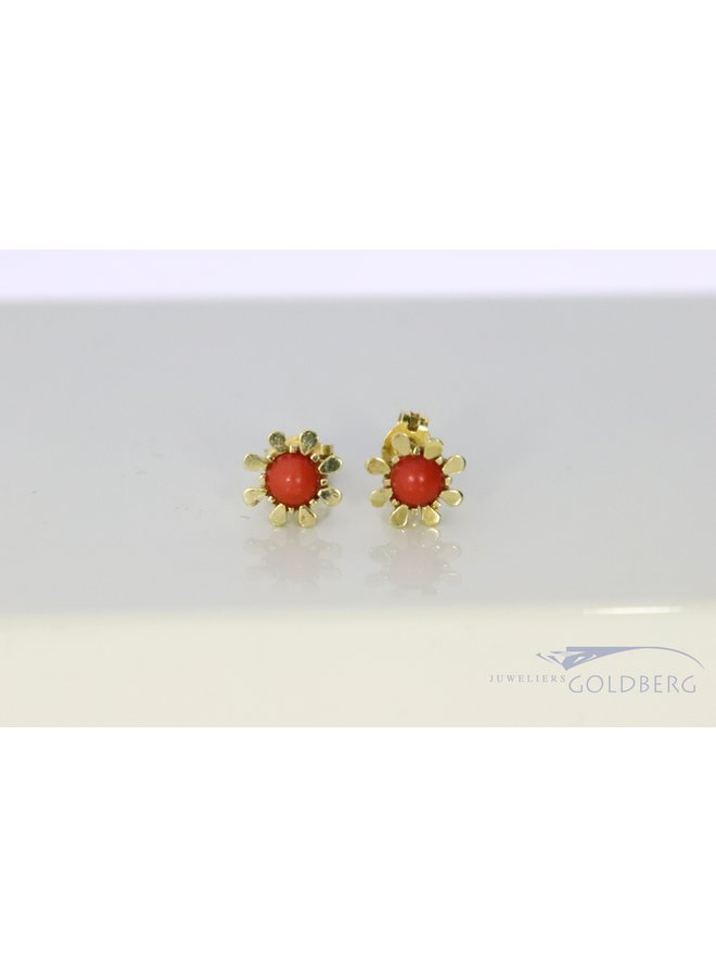 14k vintage flower-shaped earrings with red coral.
