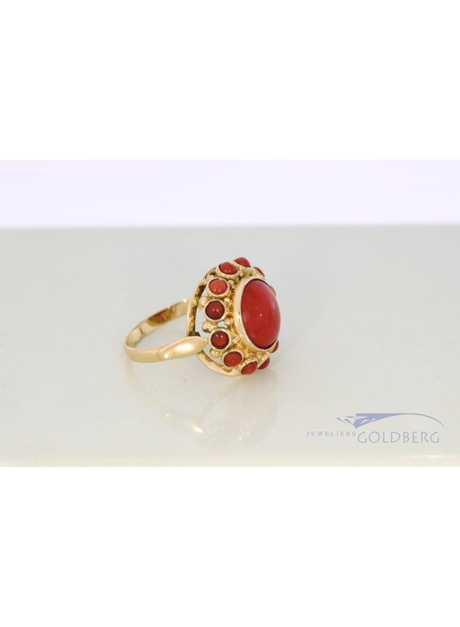 vintage 14k gold red coral roset ring