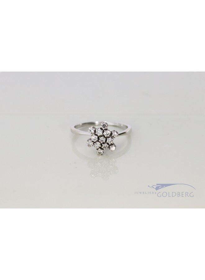 18k white gold snowflake ring