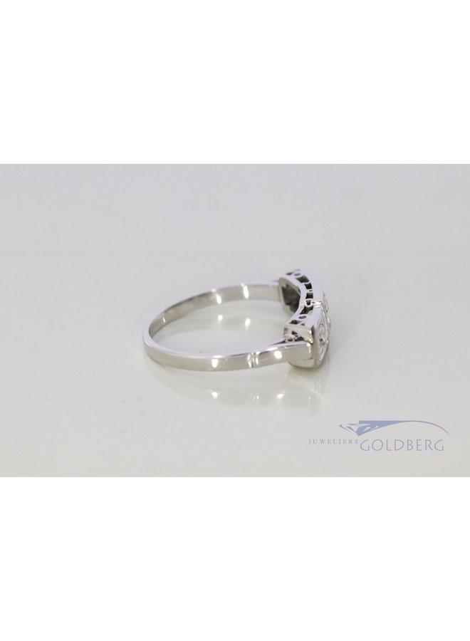 18k white gold Art Deco ring with diamond