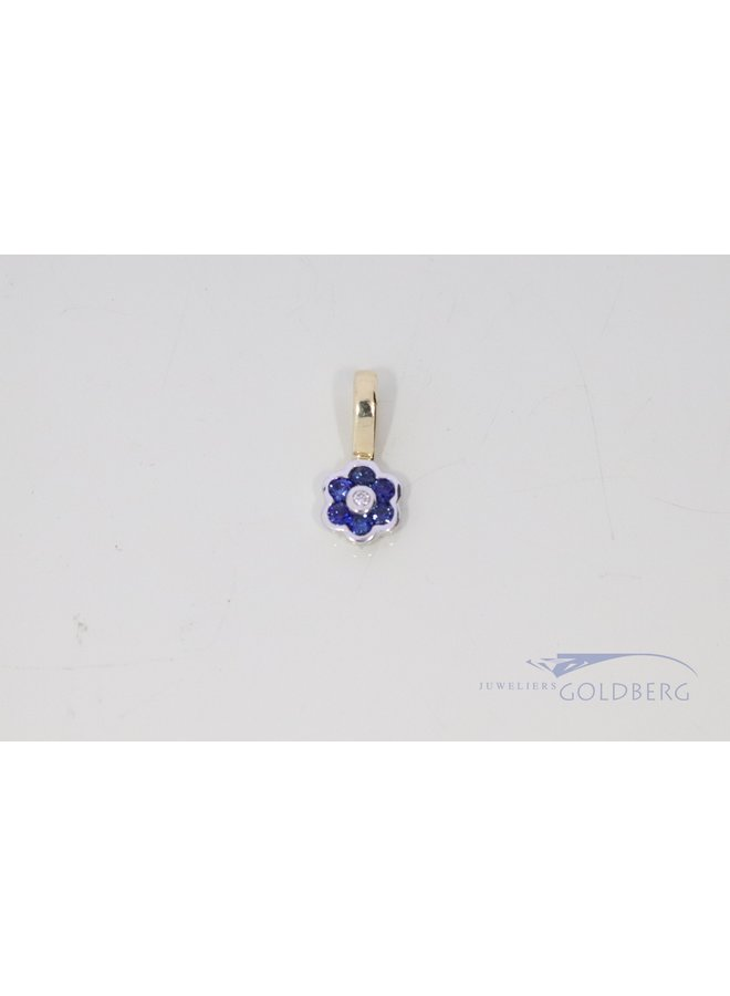 flower pendant in 14k gold with sapphire and diamond