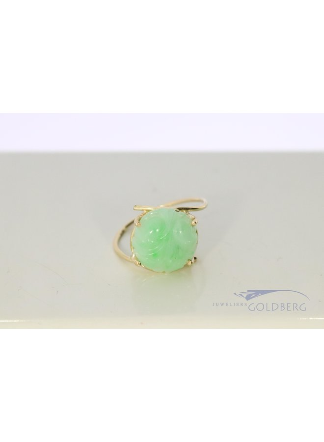 14k gold ring with engraved jade