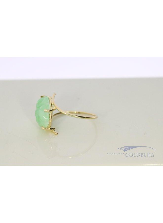 14k gouden ring met gegraveerde jade