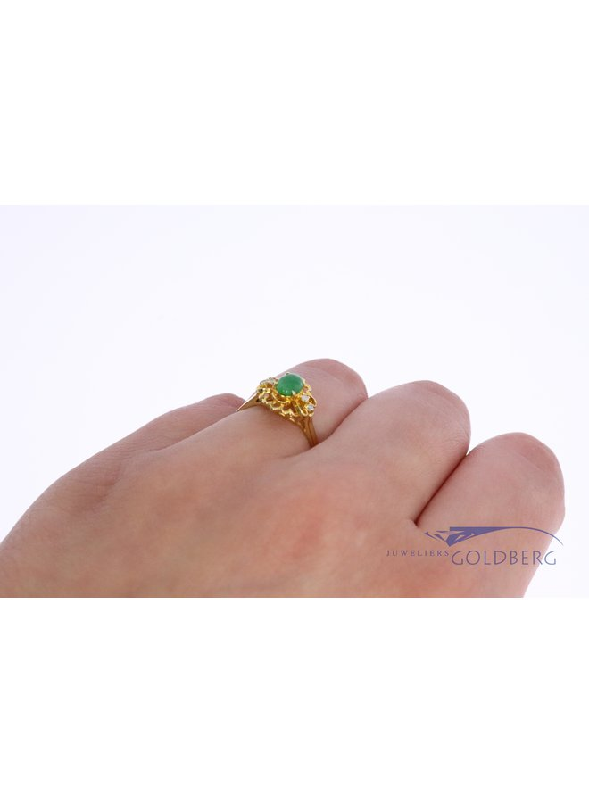 18k gold vintage ring with emerald and diamond