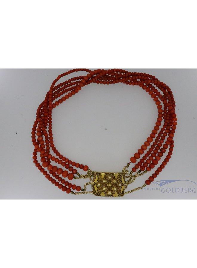 Prachtig antiek collier van bloedkoraal