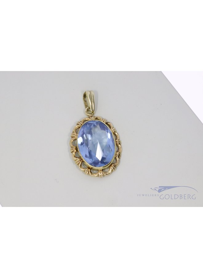 14k vintage pendant with aquamarine spinel