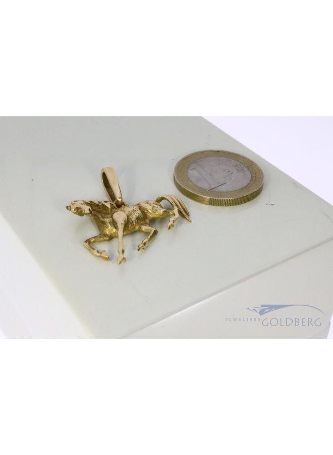 14k gold pendant horse