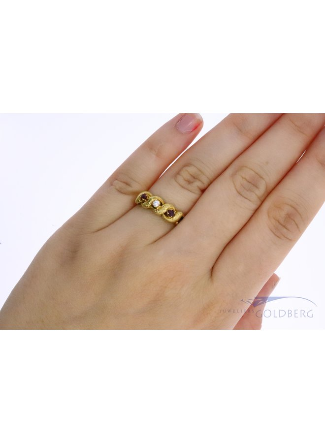 18k gouden vintage ring met robijn en zirkonia