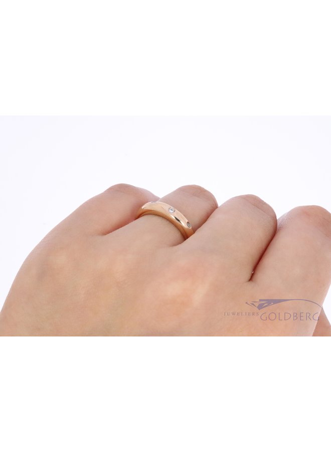 red gold ring with 3x diamonds