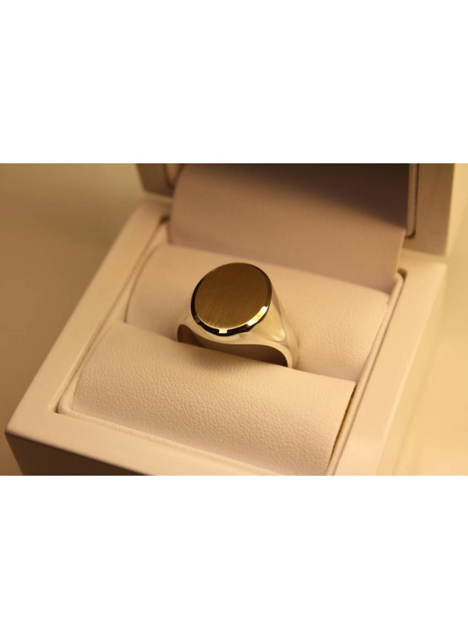 silver with gold signet ring oval 16x13mm