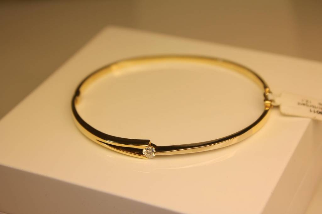 14 carat gold bangle bicolor with 0.23ct diamond