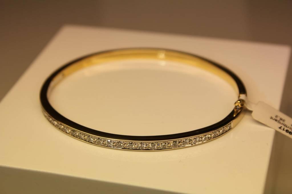 18 carat gold bangle bicolor with 1.25ct diamond